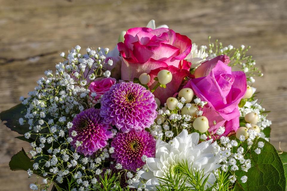 semnificatia-florilor-dintr-un-buchet-ce-mesaj-transmite-fiecare