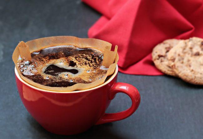 cum-se-indeparteaza-petele-de-cafea-de-pe-absolut-orice-suprafata